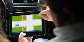 Rijschool Spijkenisse maakt gebruik van lesmaterialen op tablets.